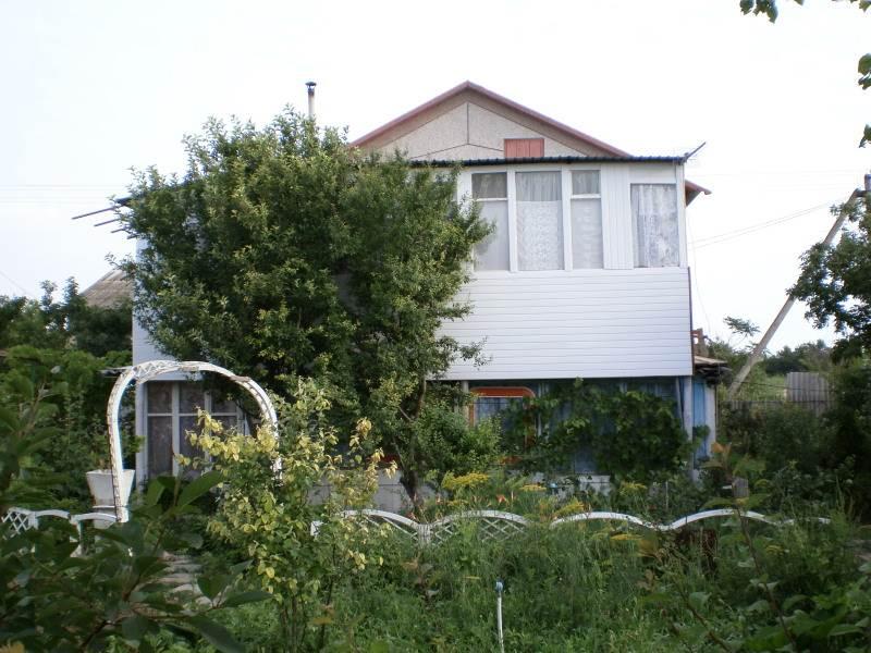 Сдамбольшой дом-дачу до 12 человек