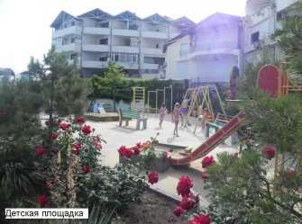 2-комнатные апартаменты c большим балконом в 20 метрах от моря