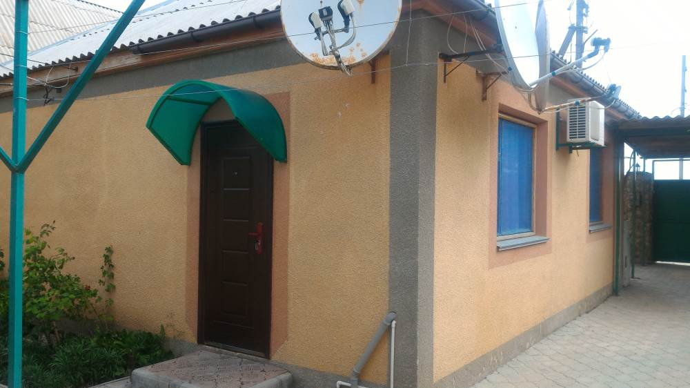 Комната с отдельной кухней в частном секторе