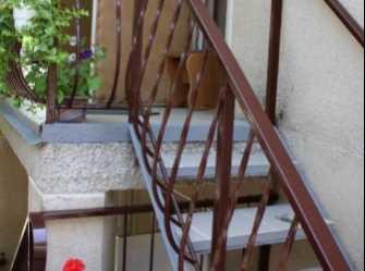 Каменный 2-х этажный домик на 8 номеров - Фото 2