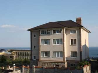 Сдается 3-х этажный дом с видом на море и горы, до 20 чел.