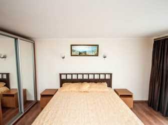 Полулюкс с двуспальной кроватью, балконом и видом на горы, море