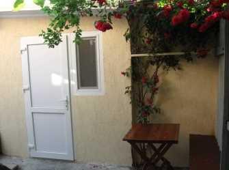 Гостевой дом между ТОК Судак и Кипарисовой аллеей