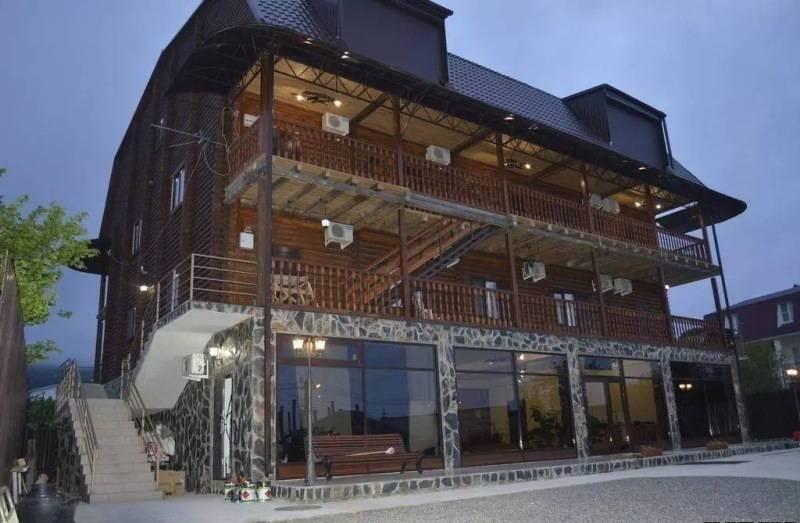 Абхазская Усадьба отель в Гаграх