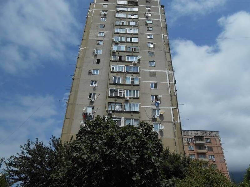 2х-комнатная квартира Абазгаа 61 кв 83 в Гаграх