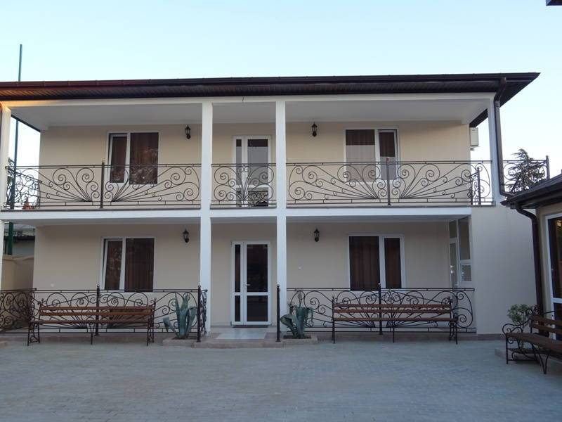 Пальмовая гавань мини-отель в Гудауте