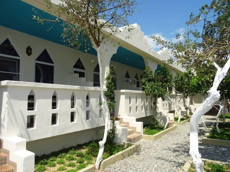 Бунгало мини-отель в п. Лдзаа (Пицунда)
