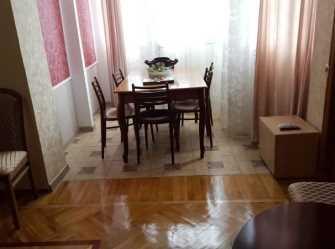 3х-комнатная квартира Агрба 30 кв 52 в Пицунде