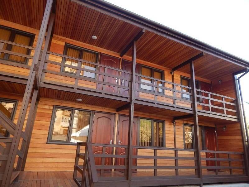 Вуд Хаус эко-отель в Сухуме