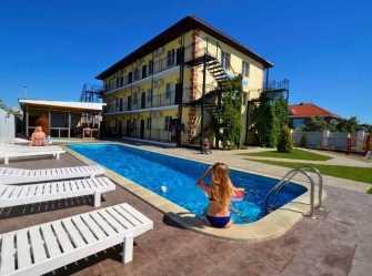 Приморская гостиница в Голубицкой