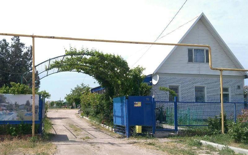 У Ольги гостевой дом в Должанской