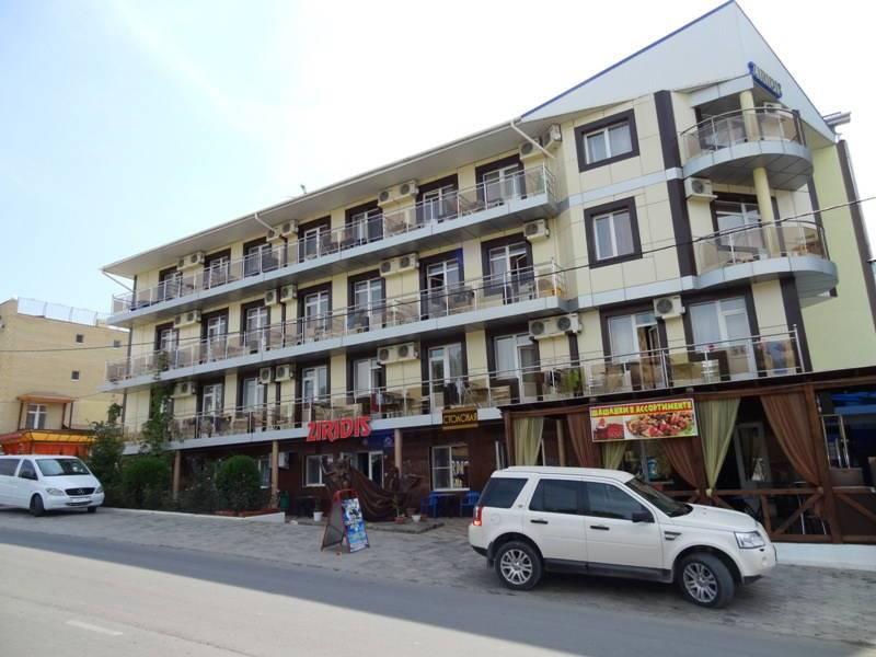 Зиридис гостевой дом в Витязево