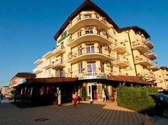 Green Plaza (Грин Плаза) отель в Витязево