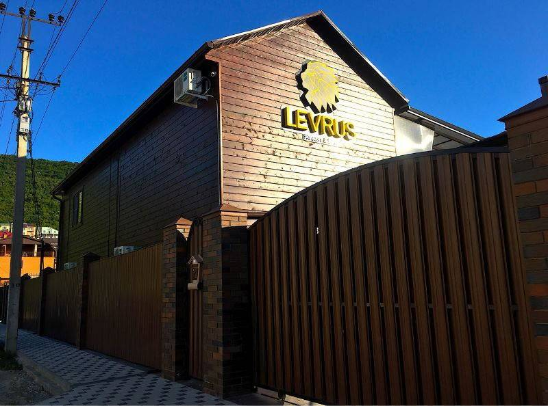 Levrus (Леврус) гостевой дом в Сукко