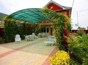 Цветущий сад частный сектор в Сукко