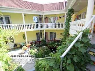 У Александра гостевой дом в Кабардинке
