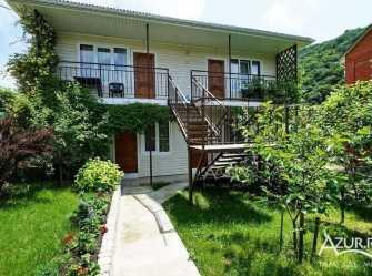 Зелёный Дворик гостевой дом в Ольгинке
