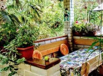 Сдаётся дом с садом и отдельным двором