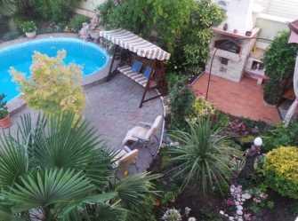 Апартаменты площадью 140 м.кв  с бассейном