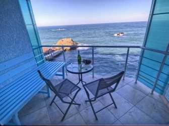 Семейный номер с видом на море