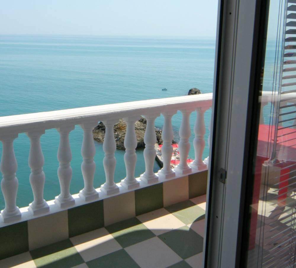 Семейный отель в 40 м от пляжа