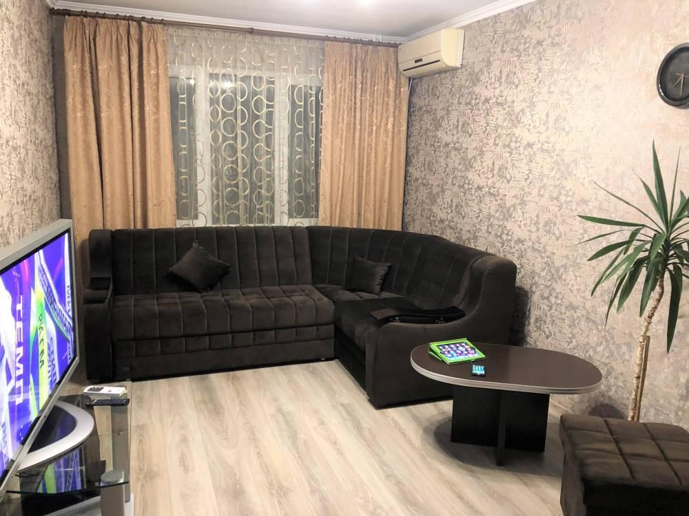 Сдам посуточно, на берегу моря в Крыму, 2х комнатную квартиру с евроремонтом.