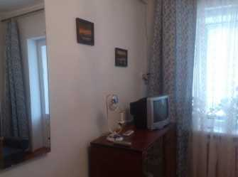 Комната с отдельным входом в дом, своей верандой,  небольшим холодильником, кондиционером  и камином.