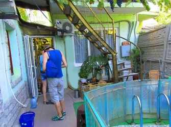 Гостевой дом с двухкомнатными номерами во дворе детский басейн. - Фото 2