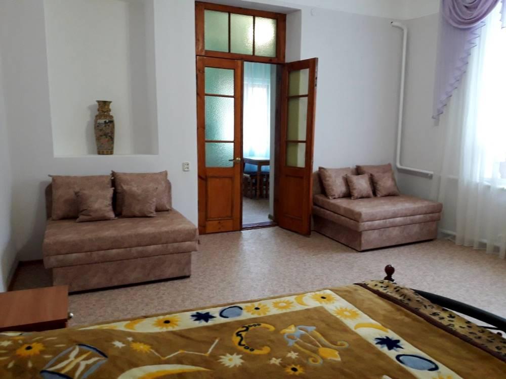 Большая однокомнатная квартира с отдельным входом