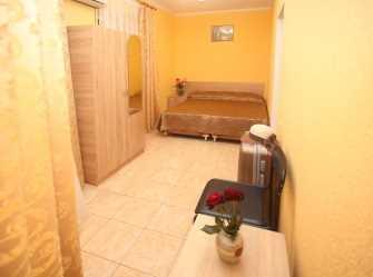 2 комнатный на 5 с  2 балконами