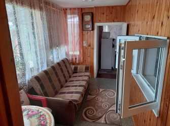 Cдаётся весь первый этаж дома для отдыха на 2-3 человек