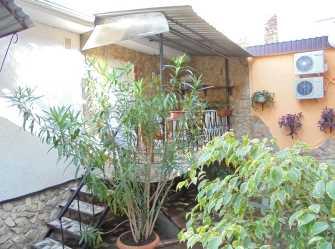 Однокомнатный домик с террасой на 2-4 человека.