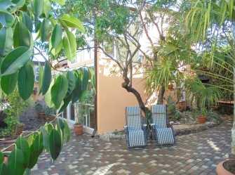 Четырехкомнатный двухэтажный дом у миндального дерева. - Фото 2