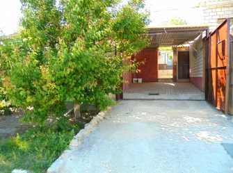 Отдельный трехкомнатный дом со своим закрытым двором и гаражом без хозяев. - Фото 2